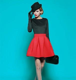 真っ赤なスカート